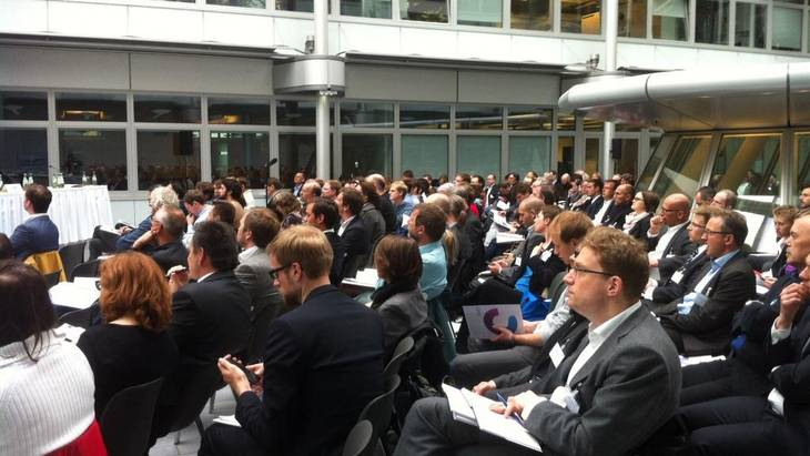 Etwa 230 Teilnehmer besuchten die Vorstellung des Aktionplans Lastmanagement (Foto: Nikola Bock)